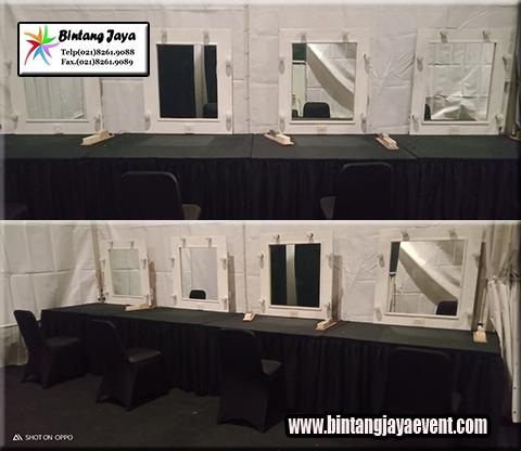 Sewa kaca rias Putih dilengkapi Meja Kotak Murah